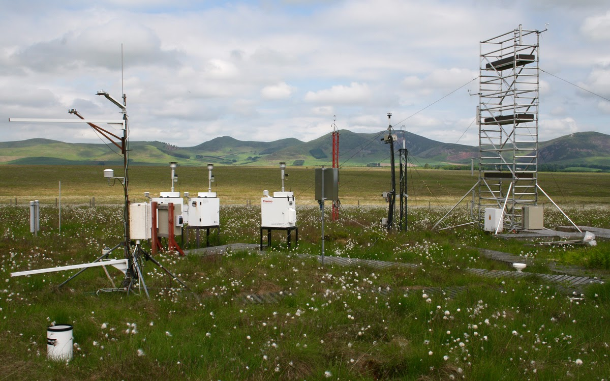 Ozone measurements at the EMEP Supersite at Auchencorth Moss, UK Photo: Mhairi Coyle