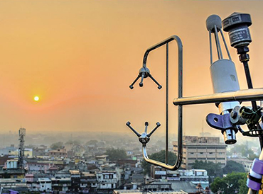 A micrometeorological tower in Old Delhi during the 'DelhiFlux' field campaign