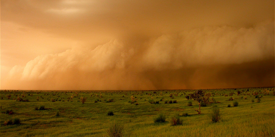 Arrival of storm in Mali