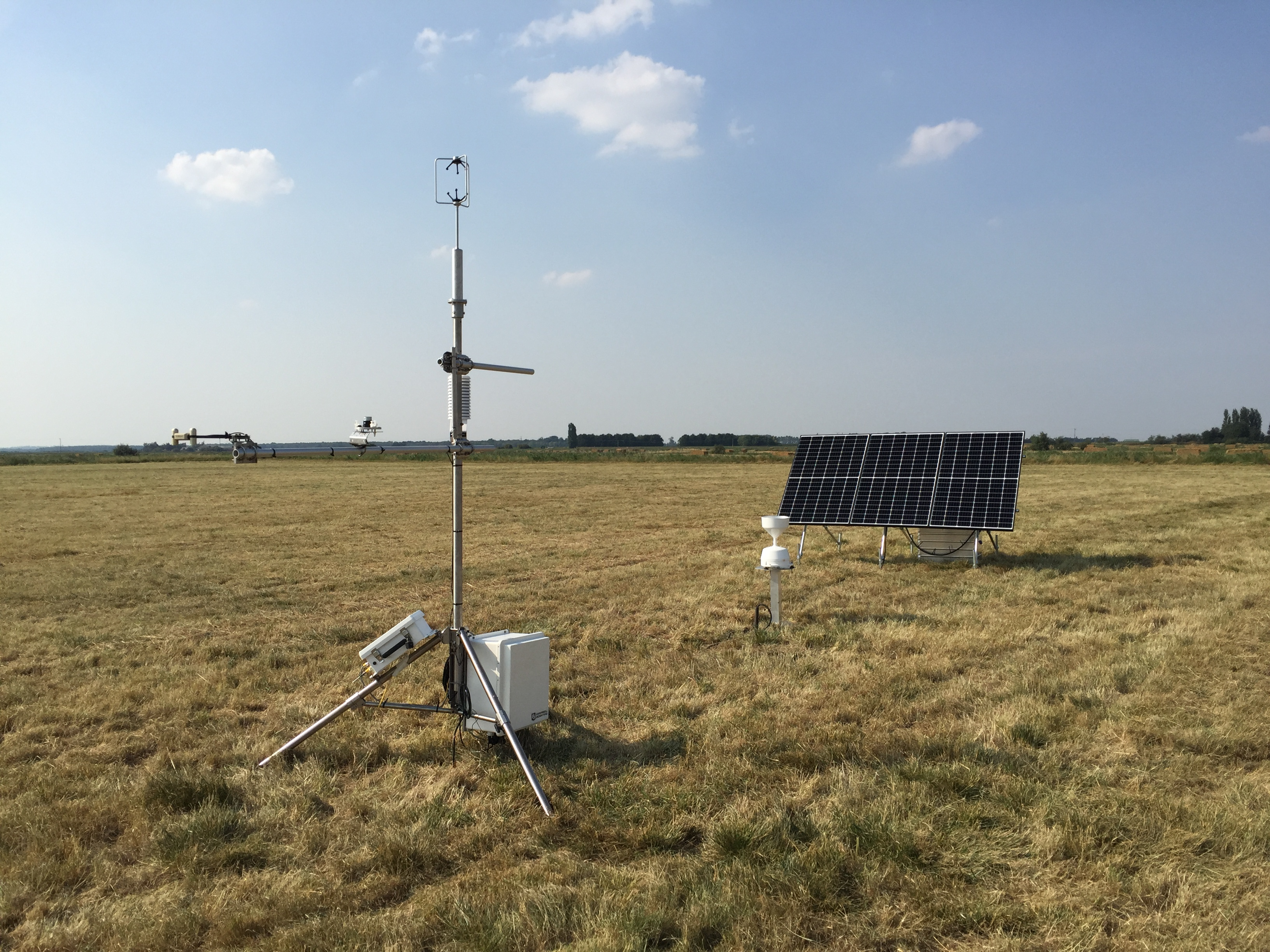 Measuring fluxes at drained grassland on lowland peat soil in East Anglia  Picture: Alex Cumming