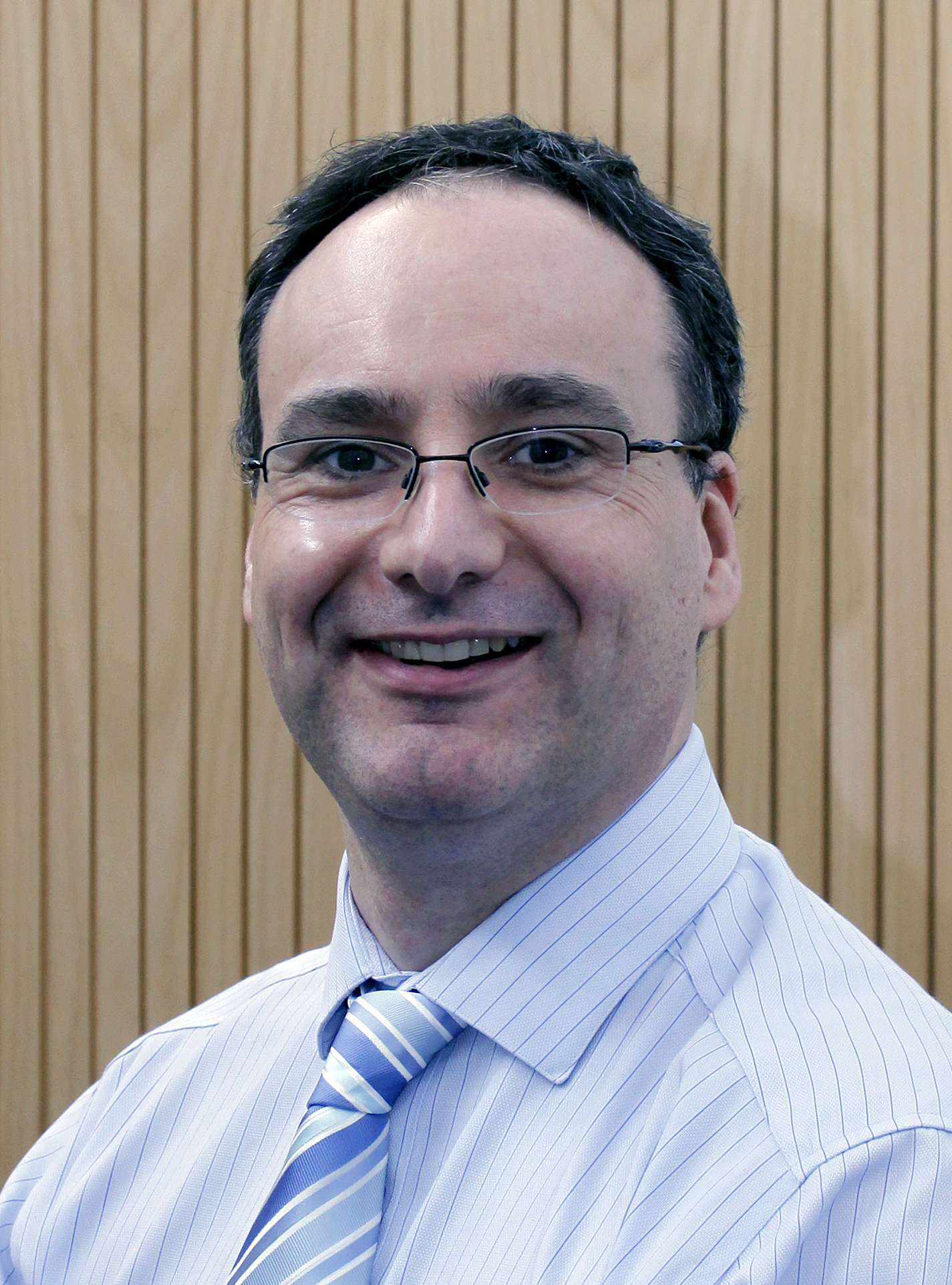 Dr Nick J Wells