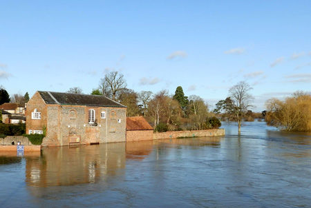 River levels rising in Wallingford