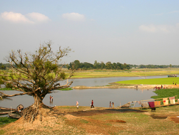 Lake in rural Bangladesh in drought conditions